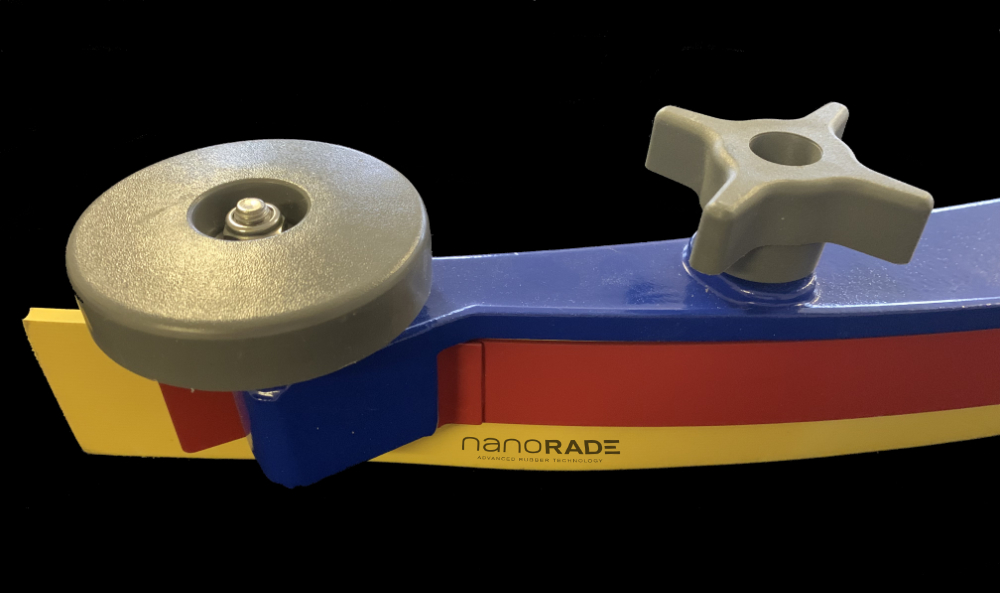 Squeegee Nanorade assembly